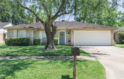 Single Family Home For Sale: 15710 Spring Forest Drive