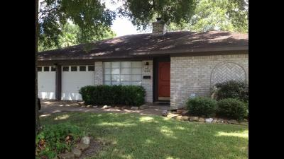 Houston TX Single Family Home For Sale: $196,500