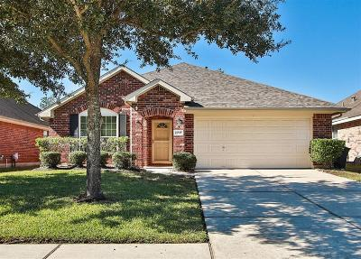 Spring Single Family Home For Sale: 21535 Pepperberry Trail