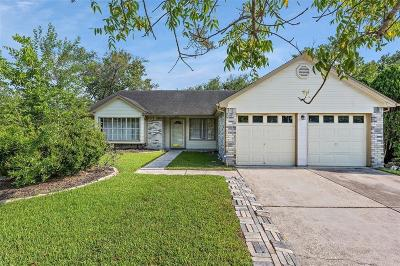 Friendswood Single Family Home For Sale: 2302 Leading Edge Drive