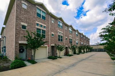 Houston Condo/Townhouse For Sale: 2710 Hullsmith Drive #402
