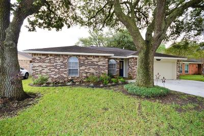La Porte Single Family Home For Sale: 10102 Quiet Hill Road
