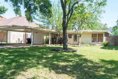 Oak Forest Single Family Home For Sale: 1218 Chippendale Road
