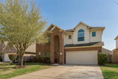 Cypress Single Family Home For Sale: 17719 Creek Bluff Lane