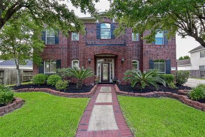 Pearland Single Family Home For Sale: 3026 Newbrook Drive
