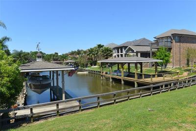 Seabrook Single Family Home For Sale: 2205 Lake Cove Way