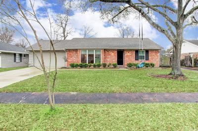 Houston Single Family Home For Sale: 10935 Cedarhurst Drive