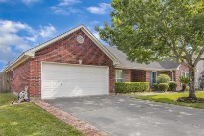 Pearland Single Family Home For Sale: 1504 Inverness Lane
