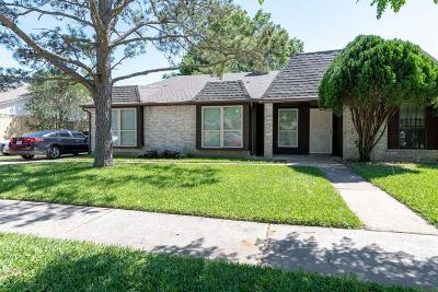 Katy Single Family Home For Sale: 19519 Lazy Valley Drive
