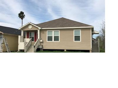 Galveston TX Single Family Home For Sale: $185,000