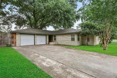 Oak Forest Single Family Home For Sale: 4302 De Milo Drive