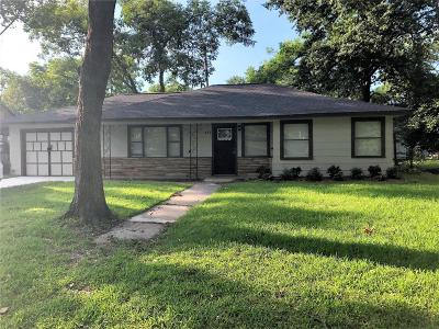 Baytown Single Family Home For Sale: 406 Forrest Street Street