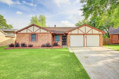 Single Family Home For Sale: 14923 Crondell Circle