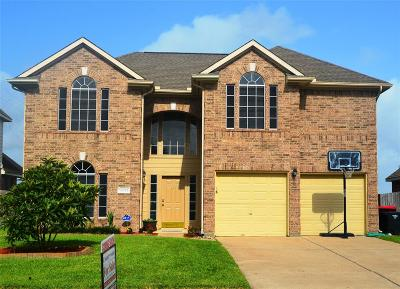 Richmond Single Family Home For Sale: 22723 W Waterlake Drive