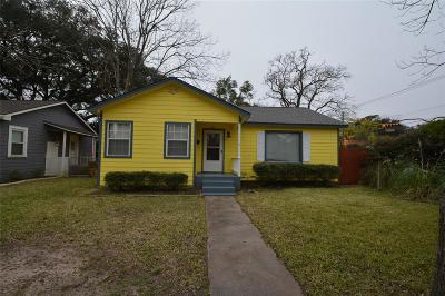 Alvin Single Family Home For Sale: 102 Whitson Street