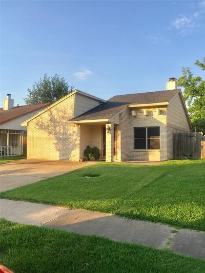 Cypress Single Family Home For Sale: 7150 Village Lake Drive