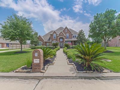 Single Family Home For Sale: 20823 E Cameron Ridge Drive