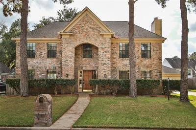 Spring Single Family Home For Sale: 17015 River Willow Drive