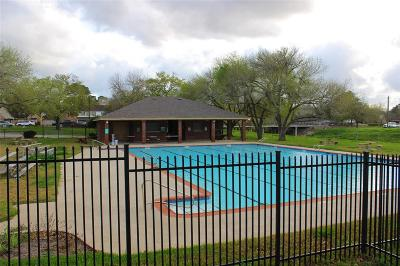 Missouri City Condo/Townhouse For Sale: 3010 Bee Cave Drive