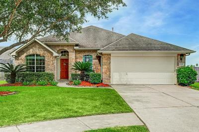 Pearland Single Family Home For Sale: 6803 Jarred Court