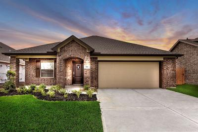 La Marque Single Family Home For Sale: 674 Forest Bend Lane