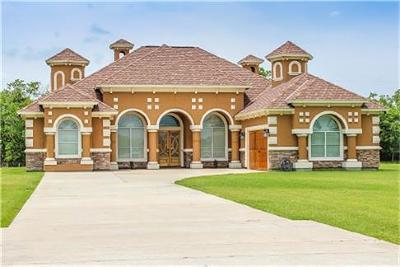 Baytown Single Family Home For Sale: 8219 Harvest