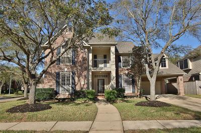 Sugar Land Single Family Home For Sale: 7915 Garden Bend