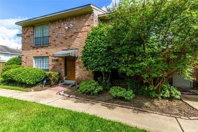 Houston Condo/Townhouse For Sale: 7995 Kendalia Drive