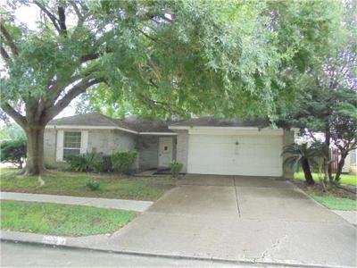 Pearland Single Family Home For Sale: 1103 E Belgravia Drive