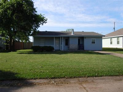Texas City Single Family Home For Sale: 1529 Wayside Drive