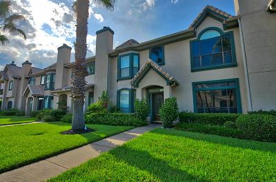 League City Condo/Townhouse For Sale: 458 Mariners Drive