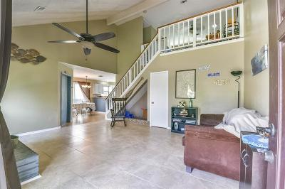 Channelview Single Family Home For Sale: 912 Macclesby Lane