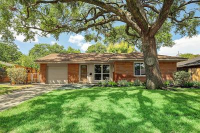 Oak Forest Single Family Home For Sale: 5230 Libbey Lane