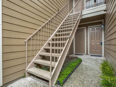 Condo/Townhouse For Sale: 1860 White Oak Drive #239