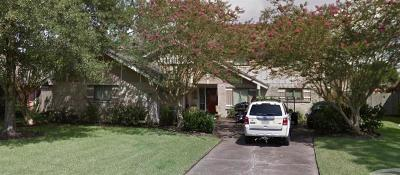 Friendswood Single Family Home For Sale: 402 Westwood Drive
