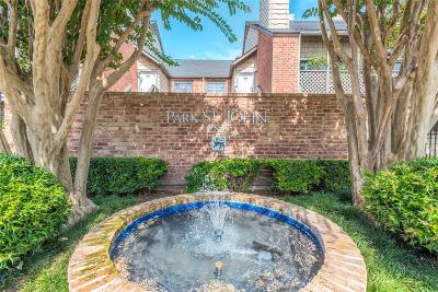 Houston Condo/Townhouse For Sale: 2829 Timmons Lane #142