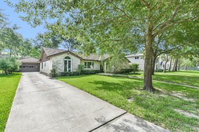 Single Family Home For Sale: 430 Winter Oaks Drive