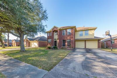 La Porte Single Family Home For Sale: 4914 Parkcrest Drive