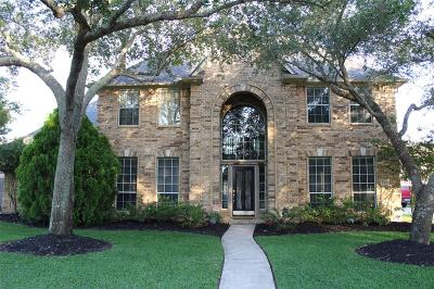 Friendswood Single Family Home For Sale: 1307 Edgewater Drive