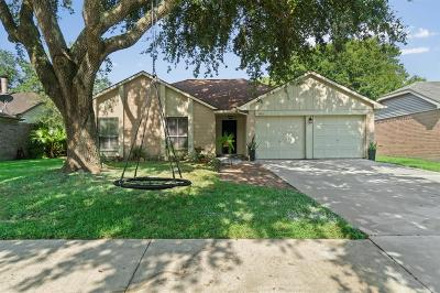 League City Single Family Home For Sale: 305 Foxtail Court