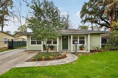Garden Oaks Single Family Home For Sale: 954 W 43rd Street