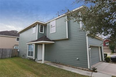 Humble Condo/Townhouse For Sale: 19904 Squire Place Drive