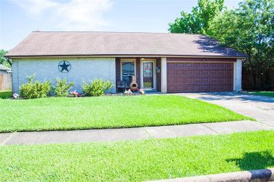 La Porte Single Family Home For Sale: 10106 Shell Rock Road
