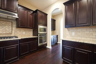 Rosharon Single Family Home For Sale: 2706 Emerald Pines Lane