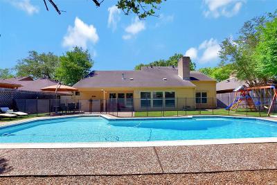 Houston Single Family Home For Sale: 12322 Burgoyne Drive