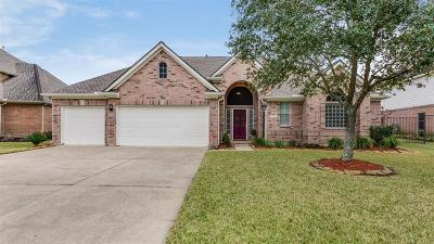 Pearland Single Family Home For Sale: 403 N Elder Grove Drive
