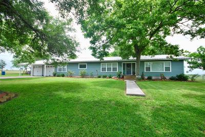 Lavaca County Single Family Home For Sale: 104 County Road 292