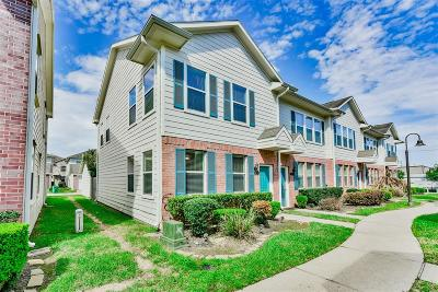 Kemah TX Condo/Townhouse For Sale: $158,000