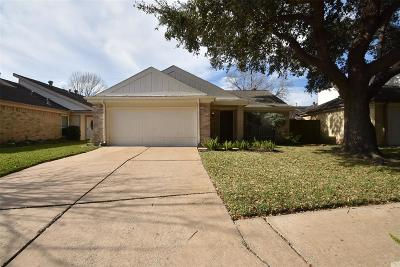 Sugar Land Single Family Home For Sale: 2011 Highland Hills Drive