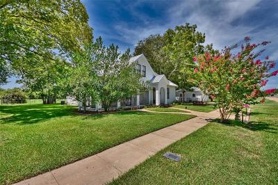 Fayette County Country Home/Acreage For Sale: 215 N Hauptstrasse Street